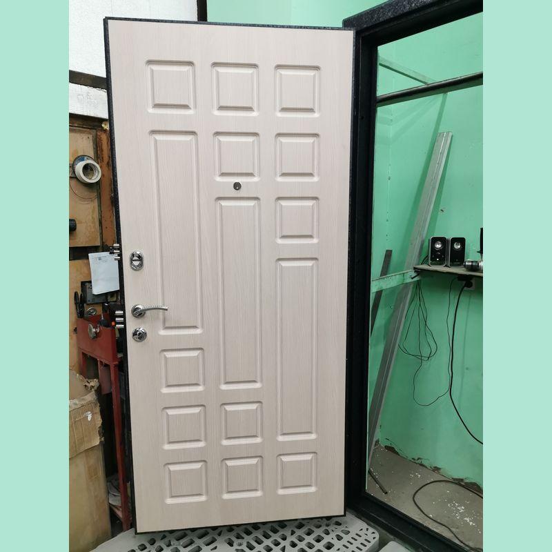 панель для отделки стальной двери
