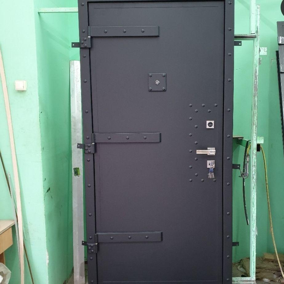 дверь в бункер